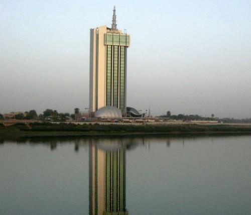 خبراء سودانيون يحذرون من خطورة  أيلولة قطاع الاتصالات لوزارة الدفاع